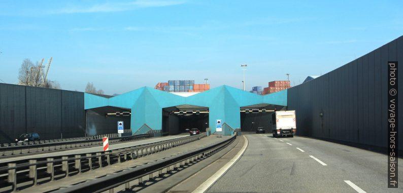 Entrée sud du nouveau tunnel sous l'Elbe. Photo © André M. Winter