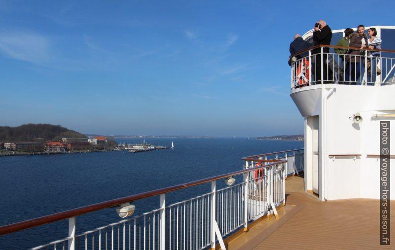 Vue vers la sortie de la Fœrde de Kiel. Photo © André M. Winter
