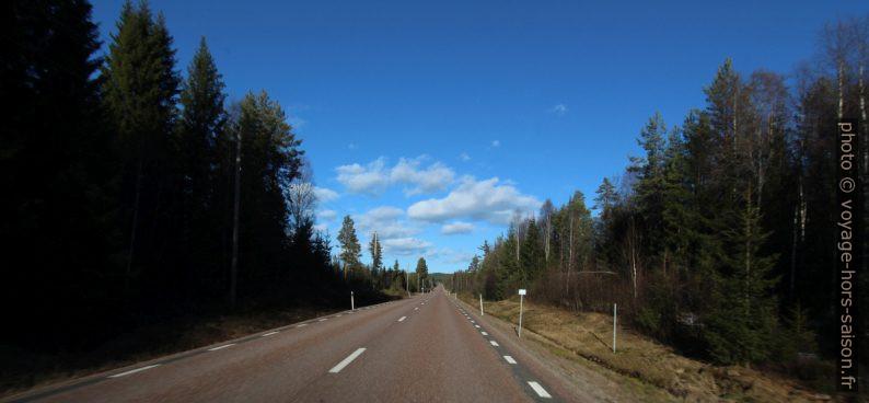 Route droite en Suède. Photo © André M. Winter