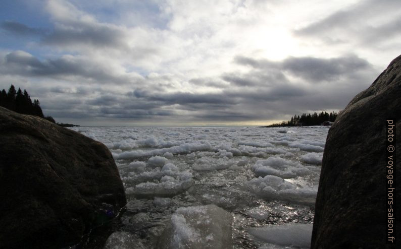 Glaçons sur la mer. Photo © André M. Winter