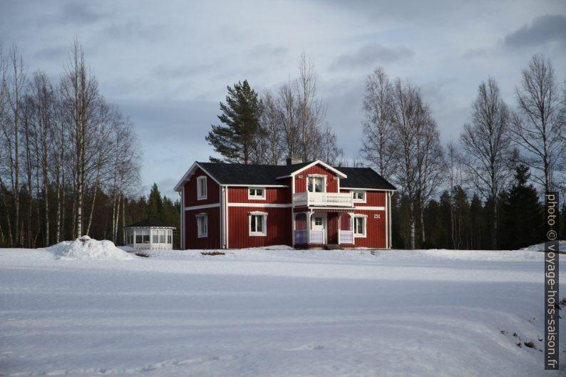 Maison suédoise classique près de Lappviken. Photo © Alex Medwedeff
