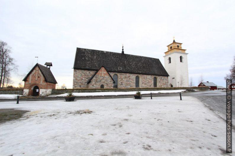 Face nord de l'église Nederluleå. Photo © André M. Winter