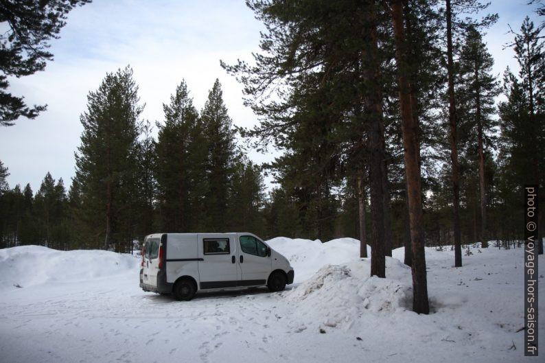 Notre emplacement pour la nuit à l'est de Jukkasjärvi. Photo © André M. Winter