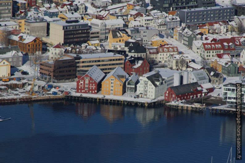 Anciens entrepôts portuaires à Tromsø. Photo © André M. Winter