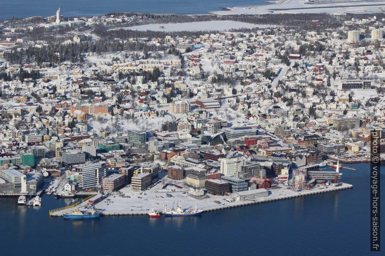 Nouveau centre portuaire de Tromsø le long de la Kaigatan. Photo © André M. Winter
