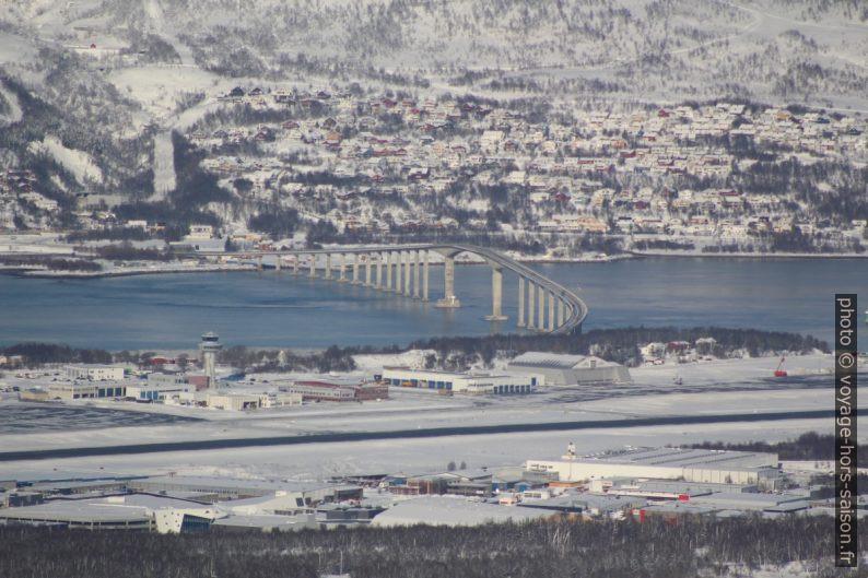 Le pont Sandnessundbrua vu du Storsteinen. Photo © André M. Winter