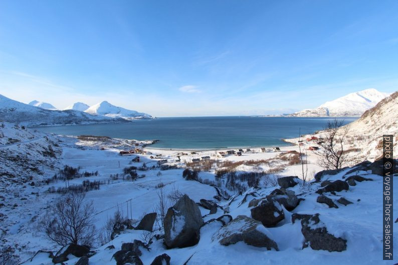 Village de Grøtfjord ouvert vers le nord sur le Vengsøyfjorden. Photo © Alex Medwedeff