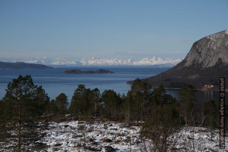 Vue sur la face sud des montagnes des Vesterålen