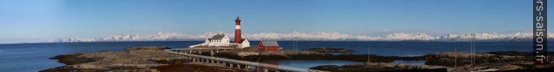 Panorama des Îles Lofoten et Vesterålen avec le phare de Tranøy