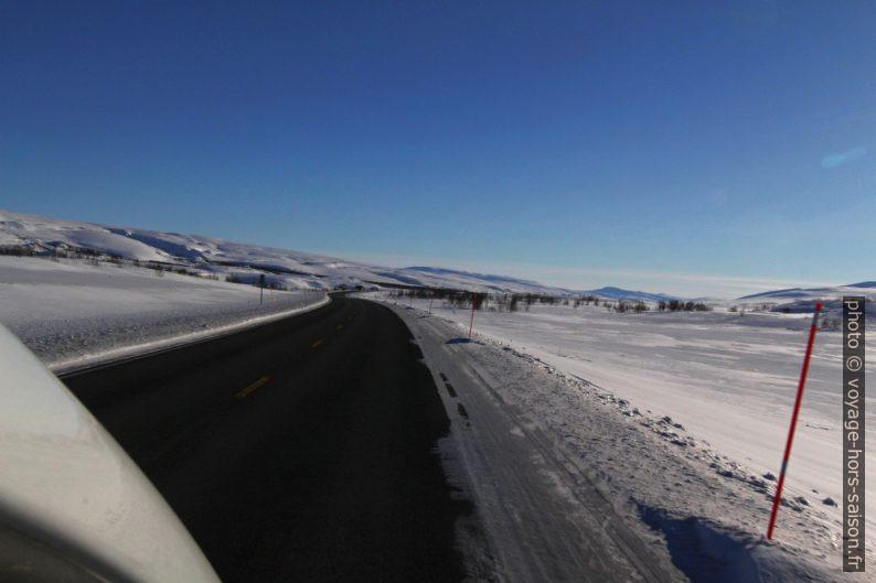 Route E6 sur le Saltfjellet en hiver