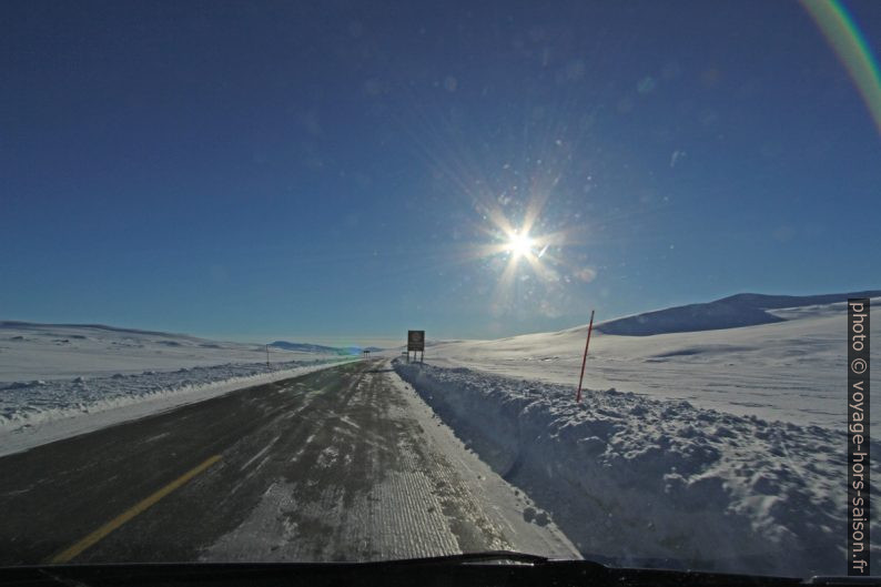 Passage du cercle polaire sur la route E6. Photo © André M. Winter