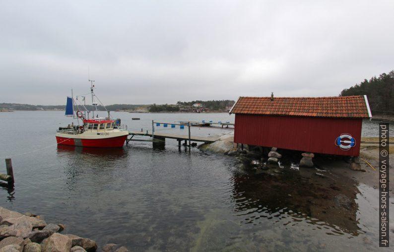Bateau de pêche à Västra Bryggan. Photo © André M. Winter