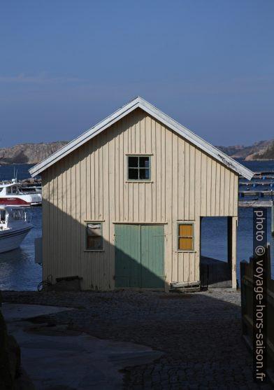 Une maison de pêcheur blanche. Photo © Alex Medwedeff