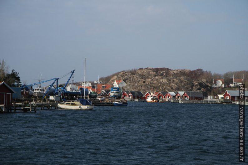 Maisons de pêche dans le détroit de Hamburgsund. Photo © Alex Medwedeff