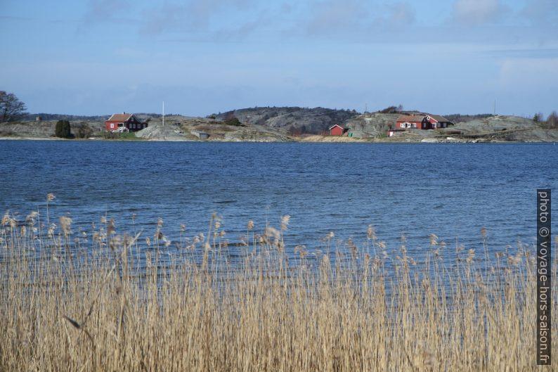 Maisons sur la Presqu'île de Tången. Photo © Alex Medwedeff