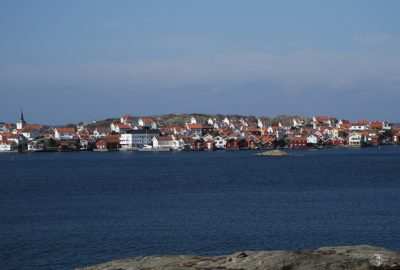 Village de Gullholmen vus de la côte. Photo © Alex Medwedeff