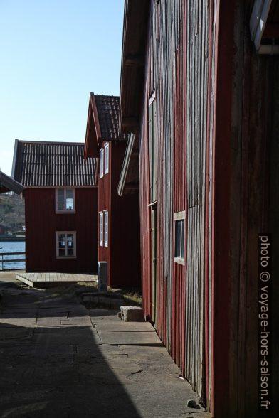 Maisons de pêcheurs rouges. Photo © Alex Medwedeff