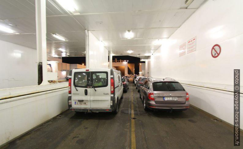 Notre Trafic dans la cale à véhicules sur le ferry Nils Holgerson de la TT-Line. Photo © André M. Winter