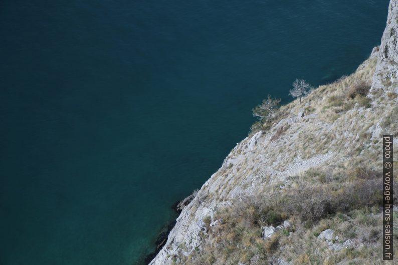 Vue plongeante des Falaises de Duino. Photo © Alex Medwedeff