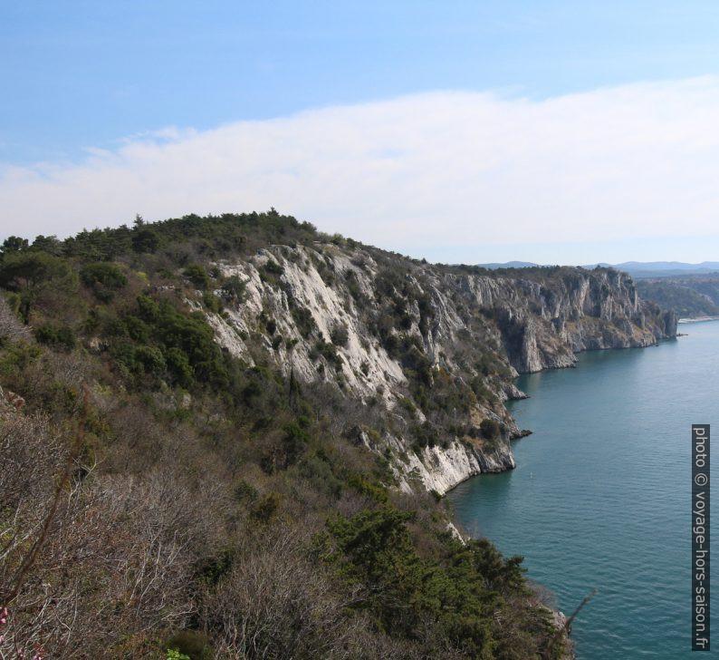 Côte rocheuse entre Duino et Sistiana. Photo © André M. Winter