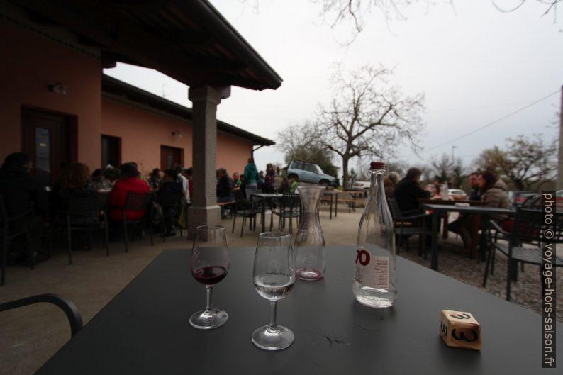 Terrasse de l'smiza Pernarcich à Medeazza. Photo © André M. Winter