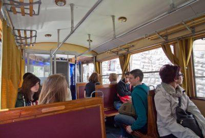 L'intérieur de la motrice n° 405 du tramway d'Opicina datant de 1935. Photo © André M. Winter