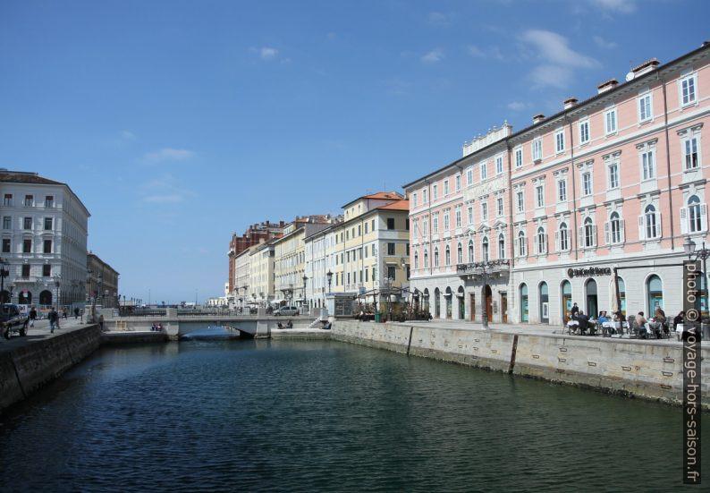 Canal Grande del Borgo Teresiano. Photo © Alex Medwedeff