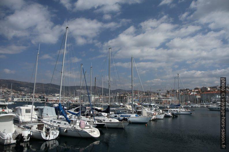 Vue Molo Fratelli Bandiera sur le vieux port de Trieste. Photo © Alex Medwedeff