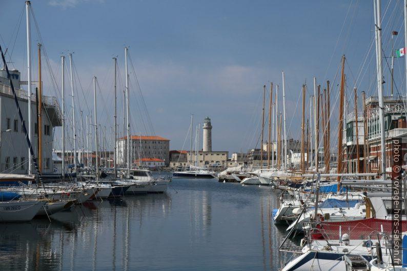 La Lanterna de Trieste. Photo © Alex Medwedeff