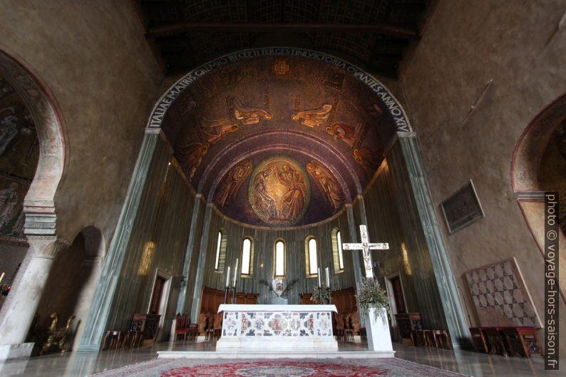 Abside de la nef centrale de la cathédrale de Trieste. Photo © André M. Winter