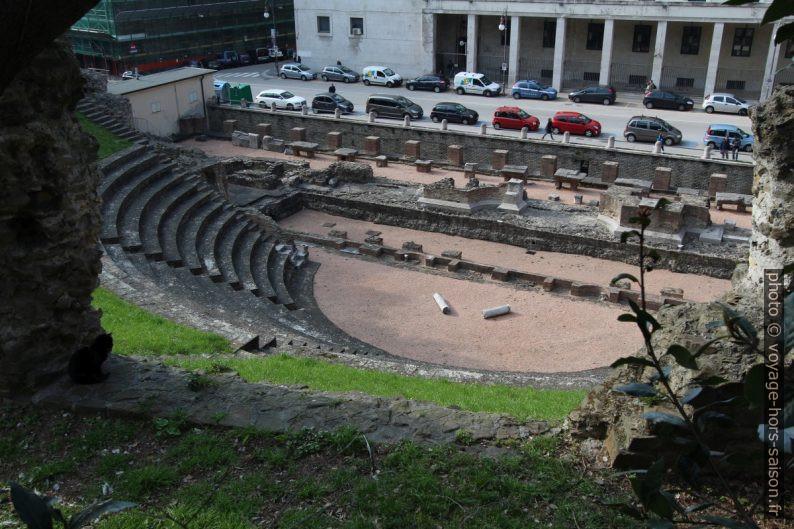 Le théâtre romain de Trieste vu du haut. Photo © André M. Winter