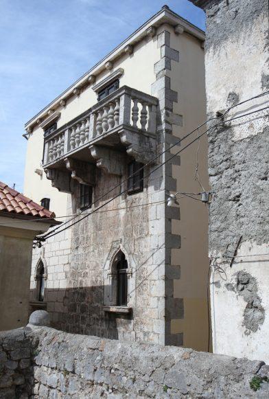 Maison de style vénitien à Senj. Photo © Alex Medwedeff