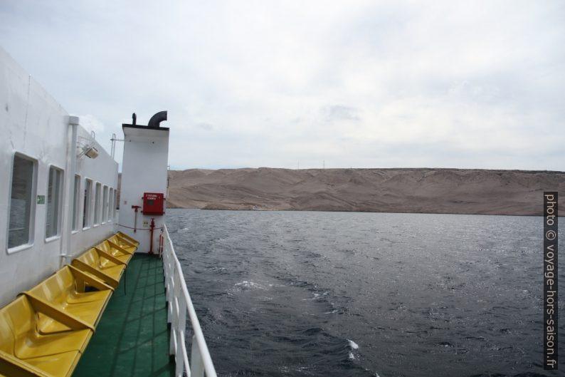 En navigation vers l'Île de Pag. Photo © Alex Medwedeff