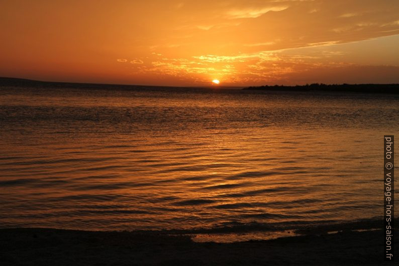 Coucher de soleil à l'Île de Pag. Photo © Alex Medwedeff