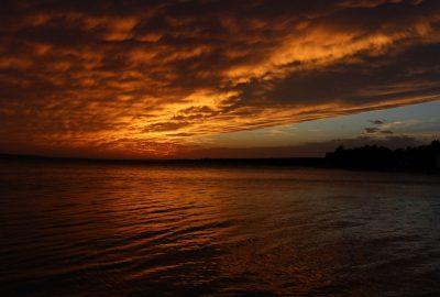 Nuage doré par le coucher de soleil à Šimuni. Photo © André M. Winter