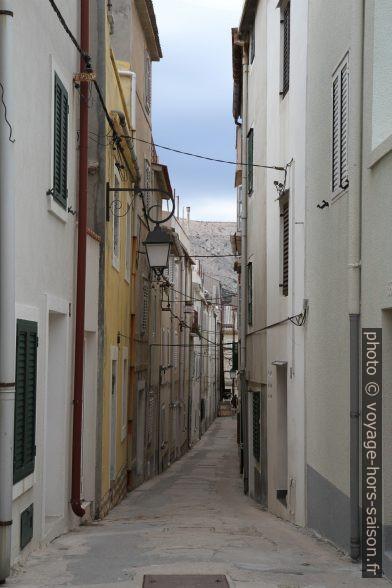 Ruelle étroite Ulica Nikole Portade. Photo © Alex Medwedeff