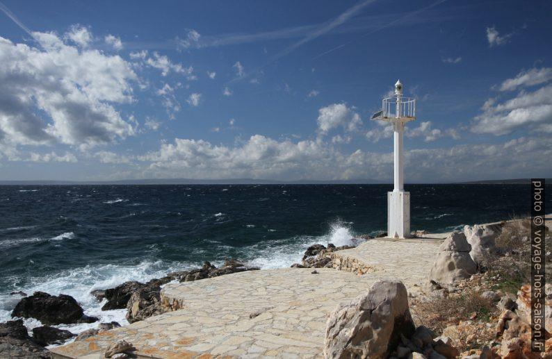 Feu de navigation au Cap Rt Figurica. Photo © Alex Medwedeff