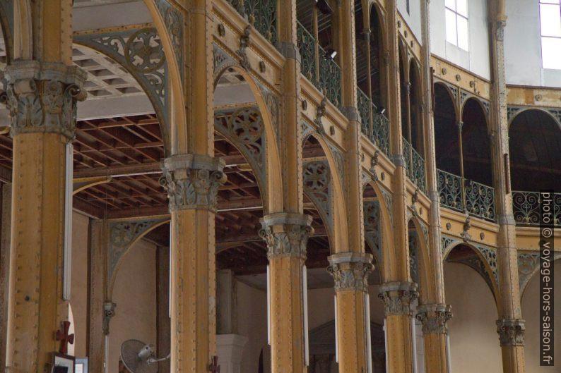 Galerie et collatéral gauche de l'église St.-Pierre-et-St.-Paul. Photo © Alex Medwedeff
