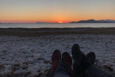 Nous profitons du coucher de soleil à la Plage des Estagnets. Photo © Alex Medwedeff