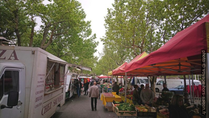 Au marché de Port-de-Bouc. Photo © André M. Winter