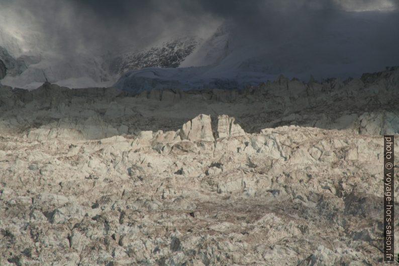 Séracs sur le Glaciers des Bossons, vue de Chamonix en 2008. Photo © André M. Winter