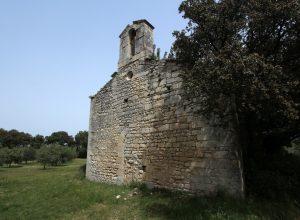 Chapelle de Romanin et son clocher-mur. Photo © André M. Winter