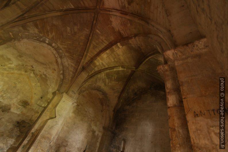 Voûtes gothiques de la chapelle de Romanin. Photo © André M. Winter