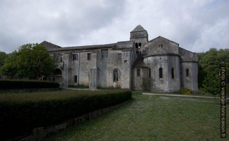 Ancien prieuré de St. Paul de Mausole vu du jardin. Photo © André M. Winter