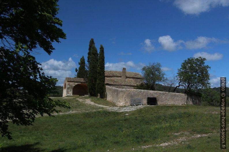 Chapelle St. Sixte et le mur du petit jardin. Photo © André M. Winter