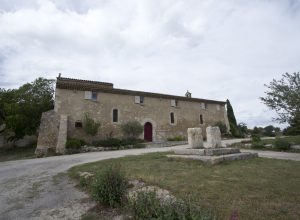 Chapelle St. Symphorien près de Vernègues. Photo © André M. Winter