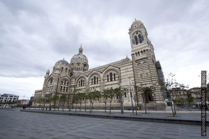 Façade sud de la Cathédrale la Major. Photo © André M. Winter