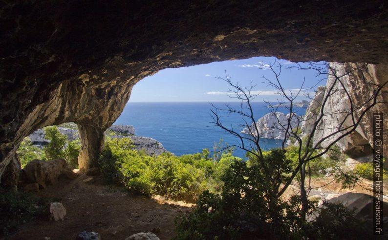 La Grotte de l'Os. Photo © André M. Winter