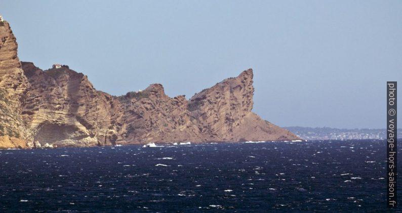 Le Bec de l'Aigle vu du Cap Morgiou. Photo © André M. Winter