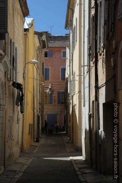 Rue Ledru Rollin. Photo © Alex Medwedeff